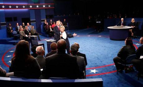 Anh an tuong trong cuoc tranh luan thu 2 cua Trump va Clinton - Anh 9