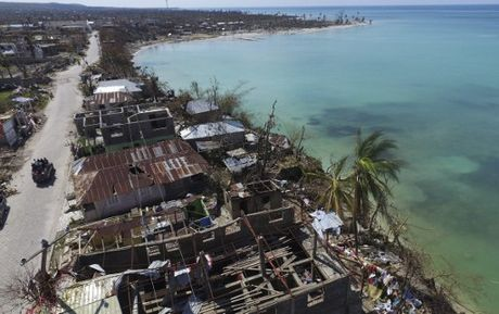Can canh Haiti tan hoang, 'quay quat' trong ngheo doi - Anh 12