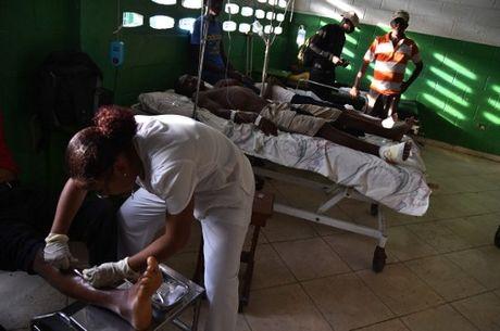 Can canh Haiti tan hoang, 'quay quat' trong ngheo doi - Anh 13