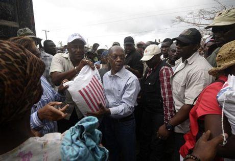 Can canh Haiti tan hoang, 'quay quat' trong ngheo doi - Anh 5