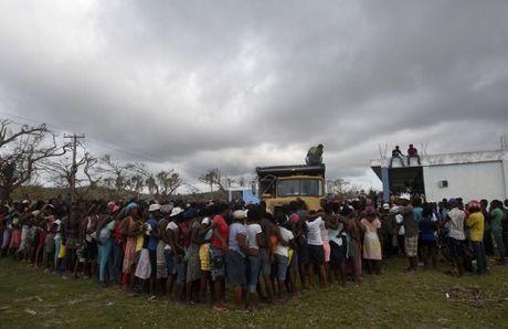 Can canh Haiti tan hoang, 'quay quat' trong ngheo doi - Anh 8