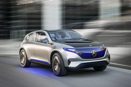 Khong cam tam nhin Elon Musk thau tom thi truong xe dien, Mercedes tung mau SUV chay dien chi 800 trieu canh tranh Tesla - Anh 4