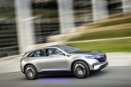 Khong cam tam nhin Elon Musk thau tom thi truong xe dien, Mercedes tung mau SUV chay dien chi 800 trieu canh tranh Tesla - Anh 7
