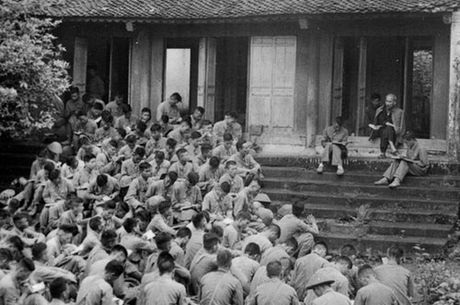 Bac Ho voi Ha Noi nhung ngay dau giai phong - Anh 1