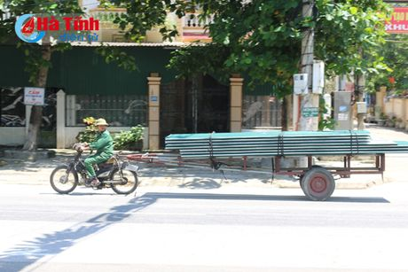 Xu ly nghiem xe tho so, xe co gioi cho hang cong kenh - Anh 1