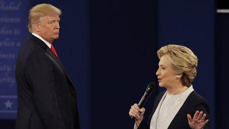 """Trump - Clinton khong bat tay nhau tai cuoc """"dau khau"""" lan 2 - Anh 1"""