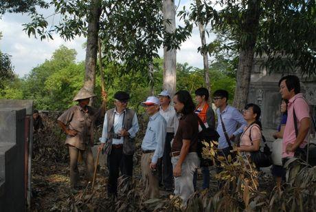 Tham do khao co noi nghi co dau tich lang mo vua Quang Trung: Phat hien nhieu co vat - Anh 3