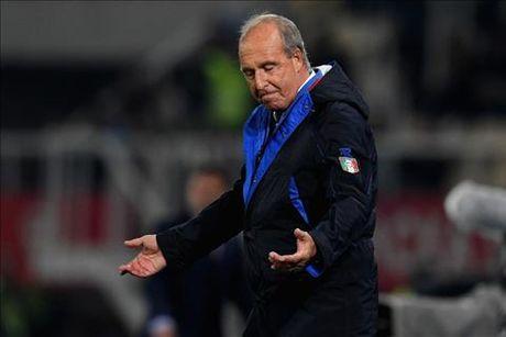 Macedonia 2-3 Italia: Khi Ventura khong chi nghi ve bong da - Anh 3