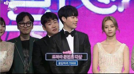 Thang dam tai tvN10 Awards, series 'Loi Hoi Dap' la niem tu hao 10 nam cua dai cap nay! - Anh 2