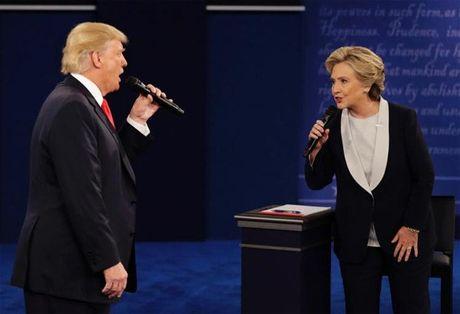 Hillary thang thuyet phuc - Anh 1
