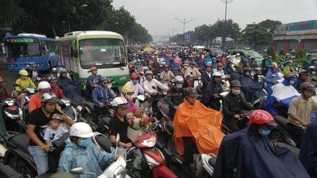 'Đông cứng' cửa ngõ Sài Gòn