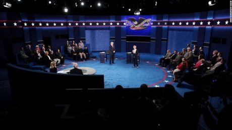 Toan canh cuoc tranh luan kich tinh giua Donald Trump - Hillary Clinton - Anh 16