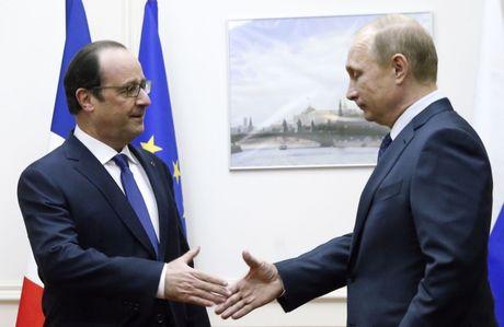 Mac Hollande lanh nhat, ong Putin van tham Phap nhu da dinh - Anh 1