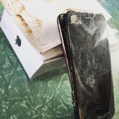 iPhone 6 Plus no khi dang dung sac chinh hang - Anh 2