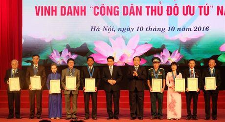 Vinh danh 9 cong dan Thu do uu tu - Anh 1