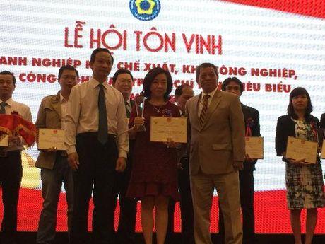 TP.Ho Chi Minh: Ton vinh 54 doanh nhan, doanh nghiep trong cac khu cong nghiep - Anh 1