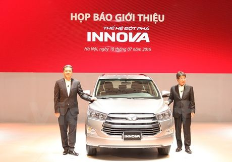Toyota Innova 2016 moi khan hang, khach 'dai co' cho nhan xe - Anh 1