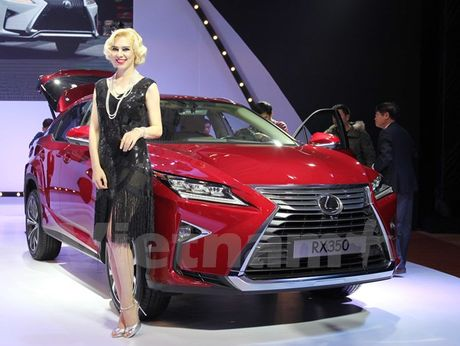 Toyota Innova 2016 moi khan hang, khach 'dai co' cho nhan xe - Anh 2