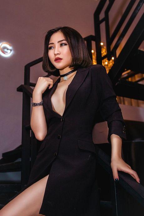 Het mot khong noi y, Huong Tram lai khoe dang nuot voi bikini - Anh 7