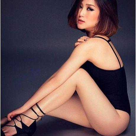 Het mot khong noi y, Huong Tram lai khoe dang nuot voi bikini - Anh 9