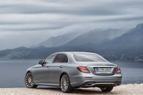 Mercedes Benz E-Class ra mat vao tuan sau, dep nhu S Class thu nho - Anh 3