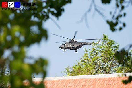 Them mot nuoc DNA theo Viet Nam mua truc thang Mi-17 - Anh 5