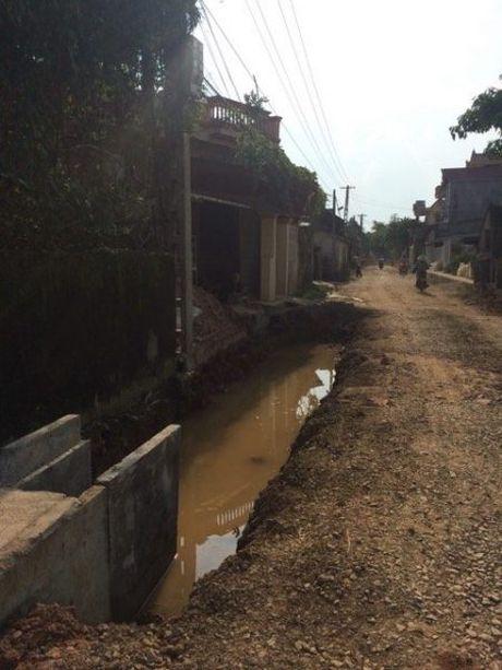 Tiep bai;Thieu Hoa (Thanh Hoa): Dan keu troi vi du an…rua bo! Ban doc chi nhung bat cap trong thi cong du an duong 516C - Anh 1