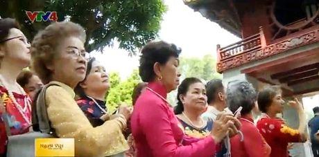 Doan cuu giao vien kieu bao Thai Lan tham Viet Nam - Anh 1