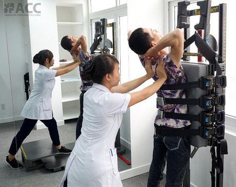 Tri dut thoai hoa cot song tai Phong kham chuyen khoa tri lieu than kinh cot song Hoa Ky ACC - Anh 3