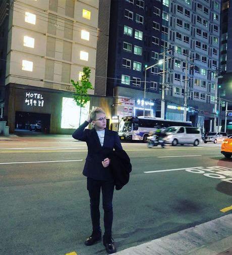 BTV dai KBS Han Quoc tu nhan la 'fan bu' cua Duy Khanh - Anh 1