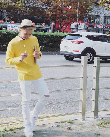 BTV dai KBS Han Quoc tu nhan la 'fan bu' cua Duy Khanh - Anh 3