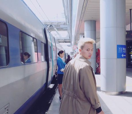 BTV dai KBS Han Quoc tu nhan la 'fan bu' cua Duy Khanh - Anh 6