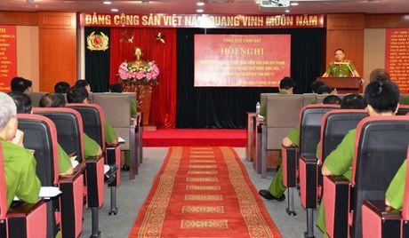 Tong cuc Canh sat pho bien, quan triet cac Luat duoc Quoc hoi khoa XIII thong qua - Anh 2