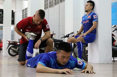 Tai sao DT Viet Nam, Cong Vinh tap hit dat, boi trong nha? - Anh 14