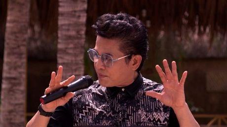 MC Thanh Bach 'quay het minh' cung 10 cau thu nhi - Anh 6