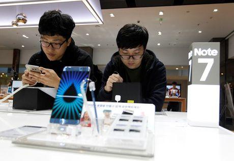 Co phieu Samsung tuot doc sau quyet dinh ngung ban Note 7 - Anh 1