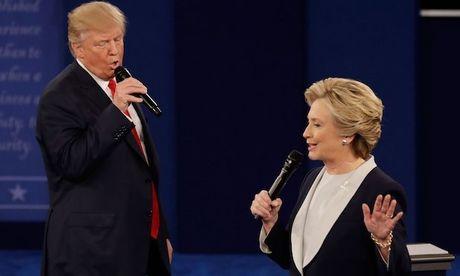 Ket qua khao sat: Clinton thang vuot troi Trump trong cuoc tranh luan lan 2 - Anh 1