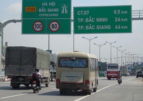 Dieu chinh toc do khai thac tren tuyen cao toc Ha Noi - Bac Giang - Anh 1