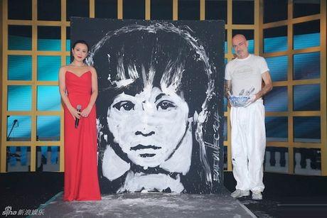 Luu Gia Linh: tu qua khu bi xa hoi den ham hiep den ngoi vi ty phu Hong Kong - Anh 1