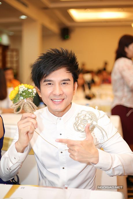 Dan Truong tung hoi thuc Viet Huong di 'cua chong' - Anh 1