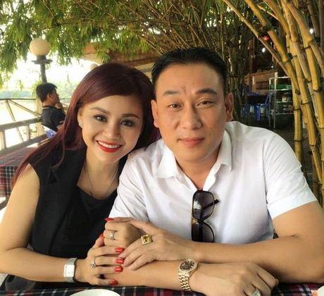 Sau ly hon, dien vien Le Giang hanh phuc ben ban trai moi - Anh 2