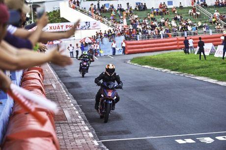 Honda Winner lan dau tranh tai tren duong dua - Anh 3