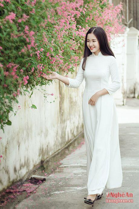 Ve dep nu sinh Quoc hoc Vinh gay sot cong dong mang - Anh 4