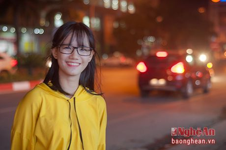 Ve dep nu sinh Quoc hoc Vinh gay sot cong dong mang - Anh 5