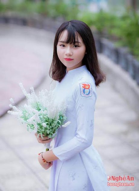 Ve dep nu sinh Quoc hoc Vinh gay sot cong dong mang - Anh 6