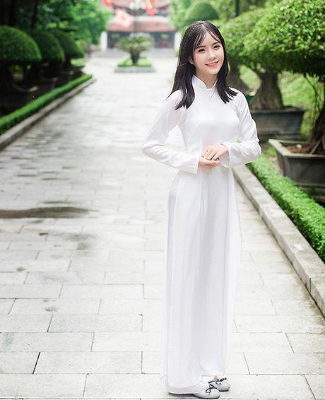 Ve dep nu sinh Quoc hoc Vinh gay sot cong dong mang - Anh 8