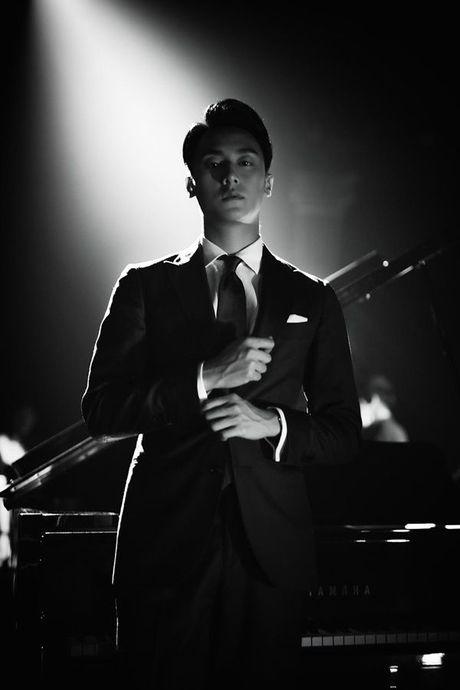 'Nam than' Rocker Nguyen chinh thuc gia nhap Vpop voi MV dep long lanh - Anh 1