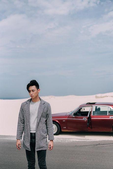 'Nam than' Rocker Nguyen chinh thuc gia nhap Vpop voi MV dep long lanh - Anh 8