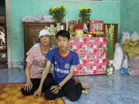 Chong chet, vo ung thu, con nguy co that hoc - Anh 1