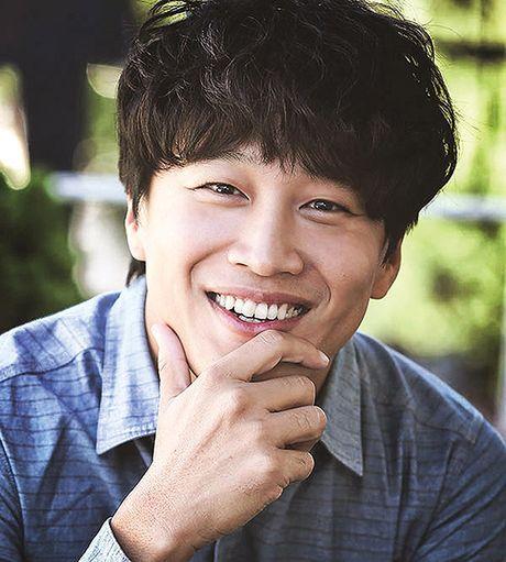 Sau 'Train To Busan', Gong Yoo tan cong man anh nho cung Kim Go Eun - Anh 11